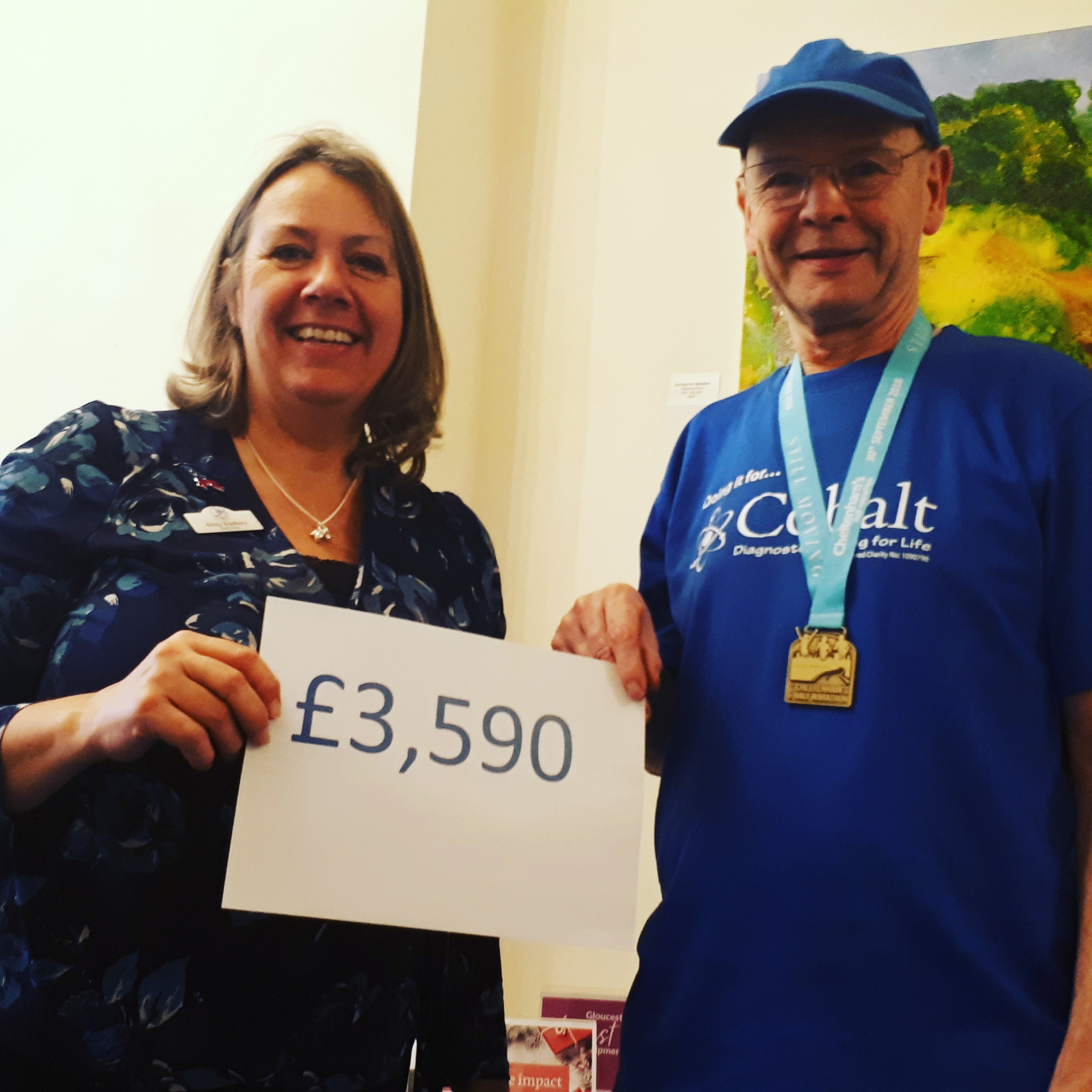 Dave and Kirsty Bradbury with cheque with filter